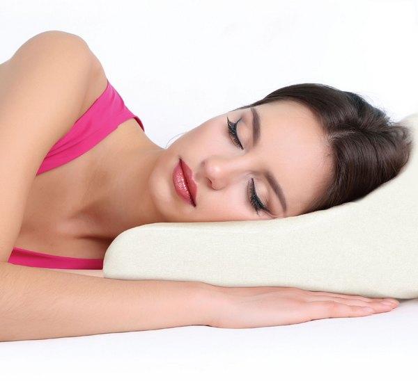 Ортопедическая подушка избавит от боли в шее